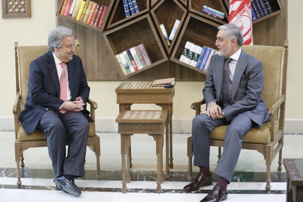 KABUL, 14 June 2017 - UN Secretary-General Ant—nio Guterres visits Afghanistan's capital to show solidarity with the Afghan people Ð backing an Afghan-led peace process and supporting the communities most affected by the conflict. In this photo, the Secretary-General meets with Afghanistan Chief Executive Abdullah Abdullah. Photo UNAMA / Fardin Waezi.