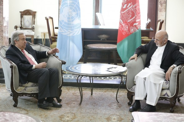 KABUL, 14 June 2017 - UN Secretary-General Antonio Guterres visits Afghanistan's capital to show solidarity with the Afghan people Ð backing an Afghan-led peace process and supporting the communities most affected by the conflict. In this photo, the Secretary-General dicusses a range of issues with Afghanistan President Ashraf Ghani. Photo UNAMA / Fardin Waezi.
